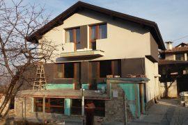 Реконструкция на къща