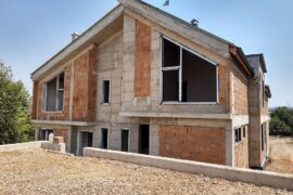 Строителство на двуфамилна къща